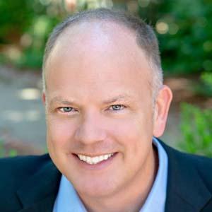 Gregg Lindholm headshot